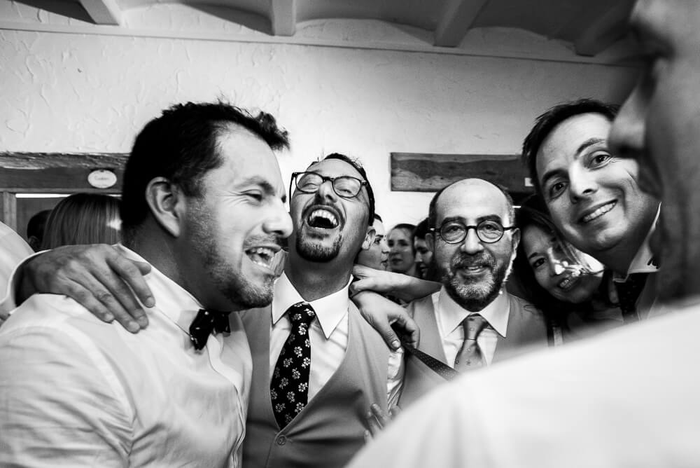 vrienden, huwelijk, feest, huwelijksfotograaf